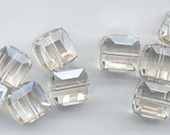 Twelve beautiful 8 mm Swarovski crystal cubes - art 5601 - 8 mm - crystal silver shade
