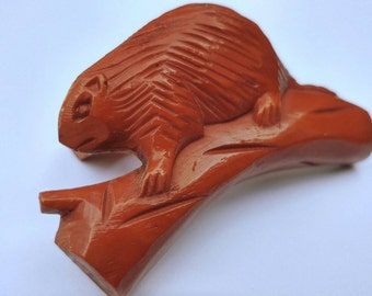 """Adorable 1960s Carved Brown Bakelite Beaver """"Neal Slide"""" Neckerchief or Scarf Slide- Boy Scouts Beavers Retro Nature Woodland Collectible"""