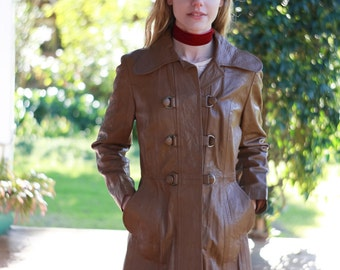 True vintage leather 70s trench coat / play misty for me / dark ochre brown mid century classic campus jacket