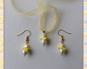 Yellow fairies of flowers jewelry set - pendant and earrings - natural white pearls and silk - silk cocoons jewelry - handmade