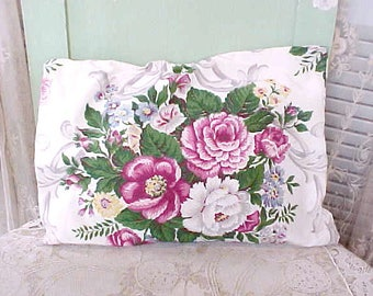 Charming Vintage 1940's Cottage Chic Rose Print Pillow Cover