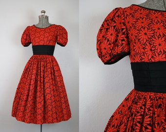 1950's Red Floral Day Dress / Size Small