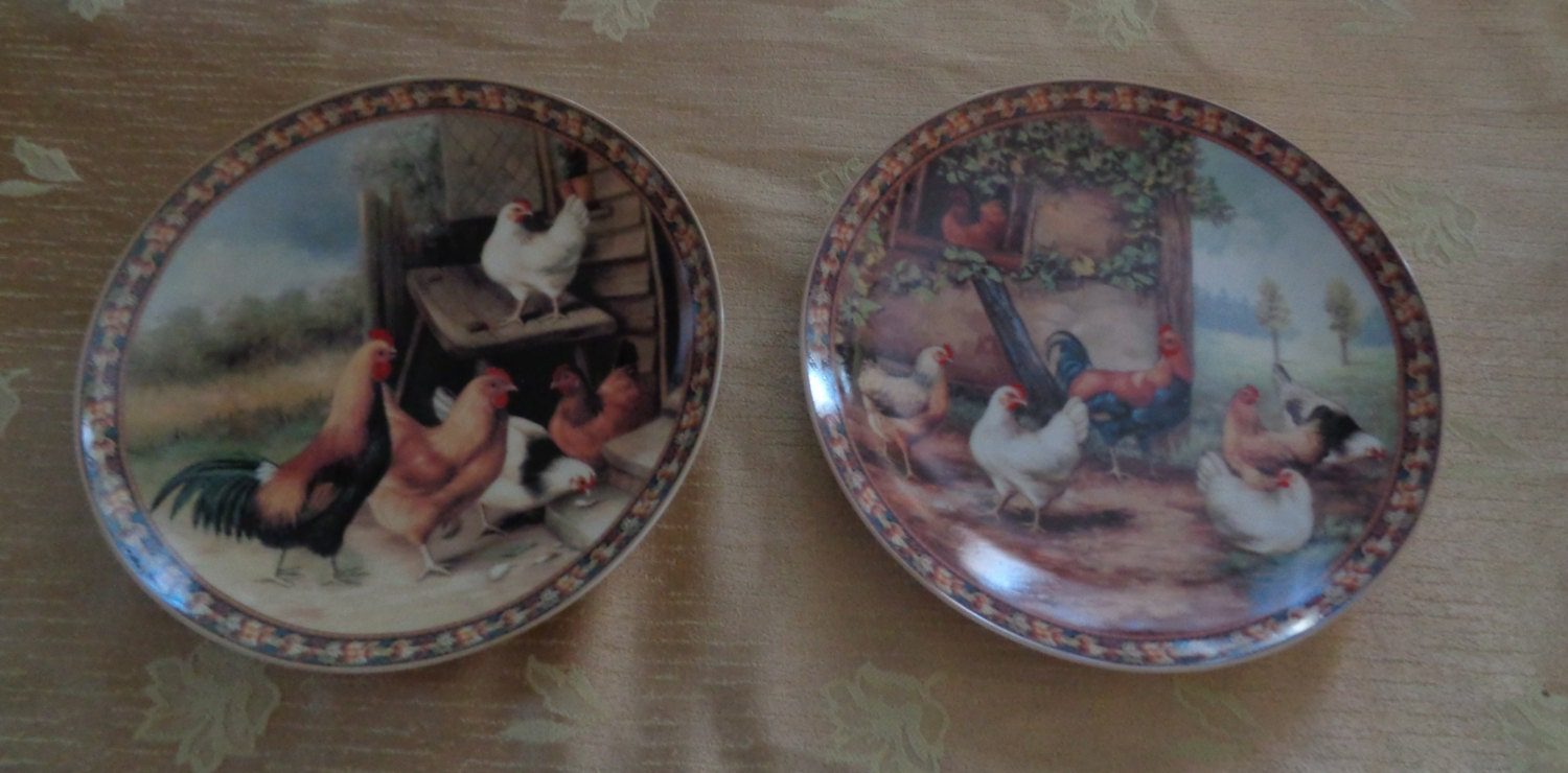 Vintage set of 2 rooster plates free range chickens wall decor for Wall decor dishes