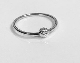 NEW IN - Sterling Silver faceted bead fidget ring