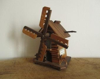 Vintage wooden moneybox-music box, Swiss, 1960, Tirelire Boite à musique, Wood, Toy Children, Antique