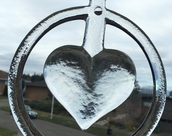 Beatiful large vintage hanging glass/suncatcher heart Boda Sweden.
