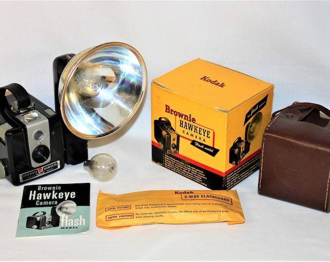 Vintage 1940s Eastman Kodak Brownie Hawkeye Camera Flash Model