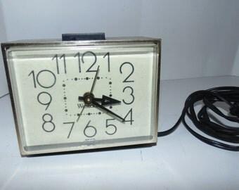 Vintage Westclox Electric Clock Model 22090 Faux wood