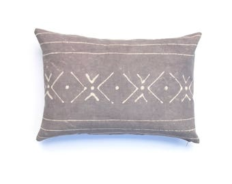Hand dyed Tribal Pattern Gray Pillow Cover Throw Pillow Gray Shibori Throw Pillow Decorative Pillow cover 14 x 20 Cushion cover