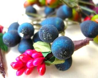 Vintage Millinery Berries  - Flower Parts