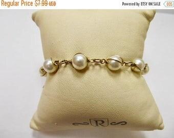 On Sale SARAH COVENTRY Vintage Faux Pearl Bracelet Item K # 2576
