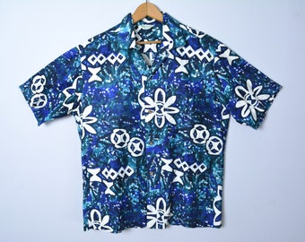 Vintage 1950s Hawaiian Shirt 50s Cotton Size Large Blue and White Floral Tiki