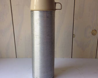 Stainless steel vintage Thermos. Quart size American thermos!