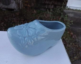 Vintage blue McCoy Dutch shoe planter