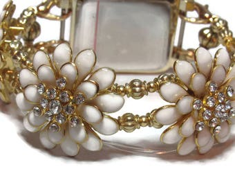 Georgous Gold and White Flower Apple Watch Band - BeadsnTime - Unique Apple Watch Band - Bracelet Apple Watch Band - 38 mm or 42 mm Band