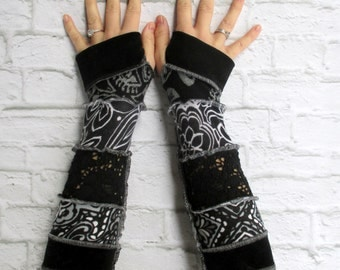Arm Warmers - Fingerless Gloves - Gypsy Clothing - Arm Gloves - Black Lace - Festival Clothing - Gfit for Her - Free Spirit Boho Hippie