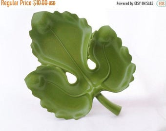 ON SALE 1960's, Mid Century, Molded Plastic, Avocado Green, Leaf, Serving Tray, Platter,  A Lucky Wish Product, Serving, Party Tray, Mod, Vi