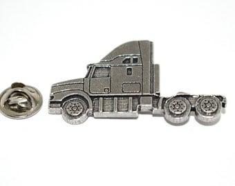 Semi Truck Head ~ Refrigerator Magnet ~ A236M