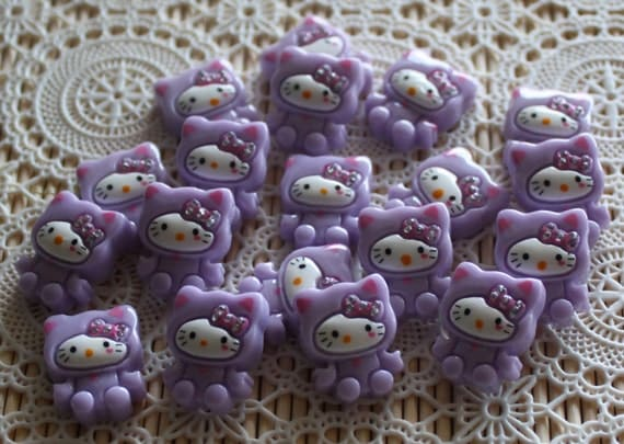 6 Pieces. Resin Flat back Cabochons.  18 mm.  Purple Hello Kitty with Rhinestones. Craft Supplies. DIY Supplies