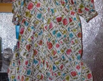 Vintage 50's  silky crisp nylon dressing gown burlesque