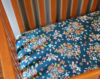 Blue Floral Crib Sheet, Fitted Crib Sheet, Floral Crib Sheet, Flower Nursery Bedding, Baby Girl Bedding, Floral Nursery, Baby Shower Gift