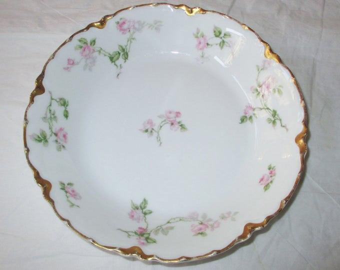 Haviland & Co. Limoges Coupe Soup Bowl, Schleiger 31, Pink Roses, Gold Trim (c. 1920s)
