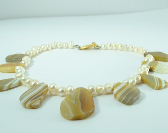Caramel and cream - Lace agate and freshwater pearl necklace