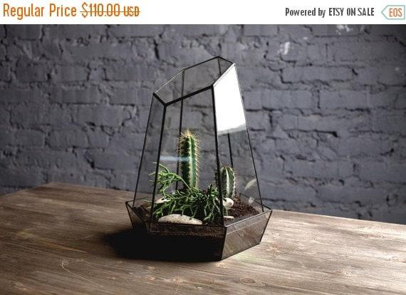 "ON SALE geometric glass terrarium ""crystal"" - handmade glass terrarium - planter for indoor gardening"