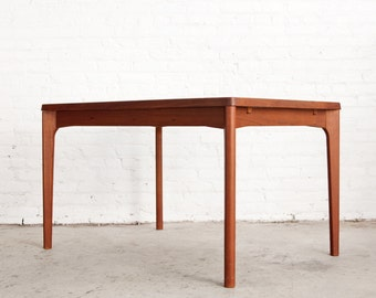 Danish Teak Dining Room Table with Leaves