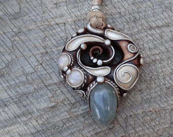 SHIPPING INCLUDED Moonstone and Celestite Pendant