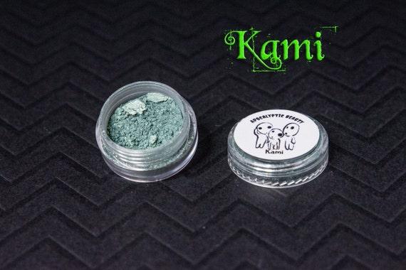 Kami - forest green vegan eyeshadow
