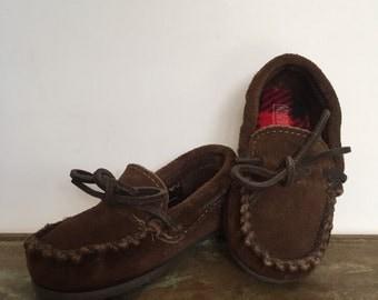 Kids Minnetonka Slippers/Shoes, size 7