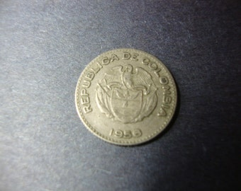 SALE - 1956 Colombia 10 Centavos - Colombian Coin - Ten Centavos - Nice Design - Vintage World Coin - .65 Cent Ship - 1.25 Int'l Ship