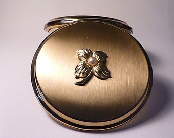 Unused vintage Stratton powder compact 1960s unused compact mirrors faux pearl
