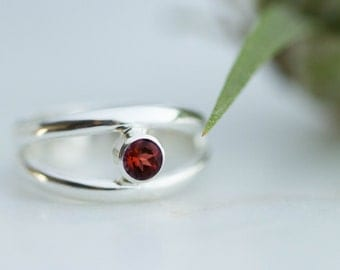 Garnet Ring / Silver Ring / Red Ring / Women Ring / January Birthstone ring/ sterling silver ring/ gift for women/ gift for her/ handmade