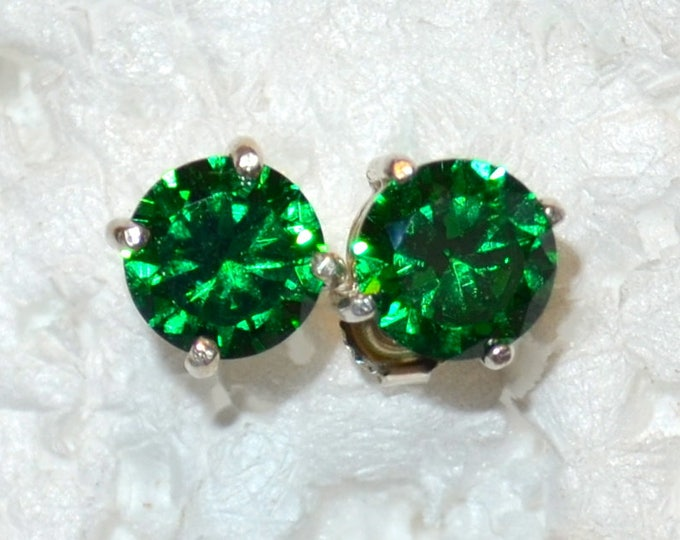 Green Zircon Stud Earrings, 7mm Round, Natural, Set in Sterling Silver E1044