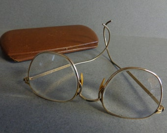 American Optical Eye Vintage Glasses with Case Ful Vue A O Semi Round shape wire rims 1 10th 12K Gold Filled Perscription Lens