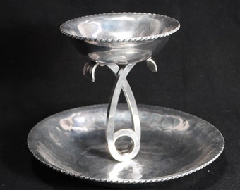 Vintage Hand Wrought Aluminum Buenilum Serving Dish