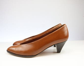 Vintage 1970s CHRISTIAN DIOR Cognac Brown Italian Leather shoes/Christian Dior shoes Pumps/ Made in Italy