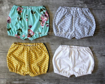 Baby bloomers, floral diaper cover, baby girl clothes, cake smash outfit, baby girl bloomers, newborn photo shoot, toddler bloomers