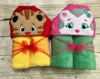 Daniel Tiger Inspired Hooded Towel/ Daniel Tiger Costume/ Daniel Tiger Birthday/ Bath Towels/ Beach Towel/ Pool Towel/ Free Personalization