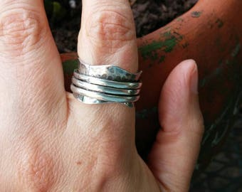 Sterling Silver Hammered Spinner Ring size 8