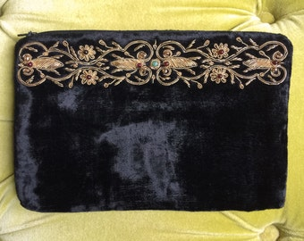 Vintage Black Velvet Clutch Handbag Floral Embroidered Zardozi Bag Antique Gold Metal Embroidery Purse Makeup Bag Beaded SUDHA Cocktail Zip