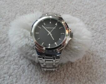 Men's Nice Looking Chrome Quartz Watch