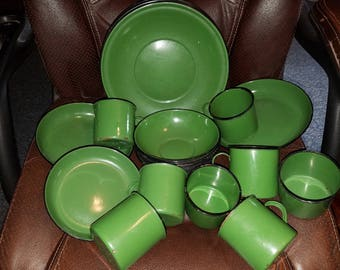 Vintage 27 Pc. Olive Green Enamelware Dishes 8 Plates Bowls & Cups