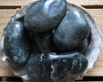Grey Cat's Eye,Beautiful Natural  Stone of Protection and Luck,Spiritual Stone, Healing Stone, Healing Crystal, Chakra Stone