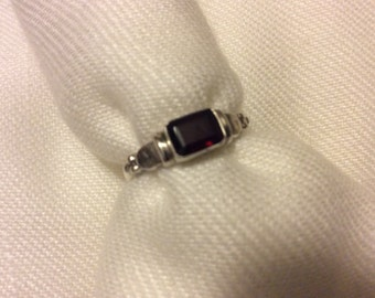 Garnet SS Ring