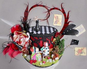 Red Queen Mini Top Hat, Red Queen Landscape Mini Hat, Alice in Wonderland Hat, Unbirthday Hat, Tea Party Hat, Mad Hatter, Red Mini Top Hat