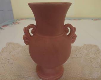Vintage Haeger Vase/Matte Finish Pink/Home Decor/Home and Living/Mid Century/Flower Vase