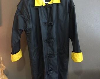 Vintage Items International Rain Jacket, Classic Retro Rain Jacket with Secure Snap Closure